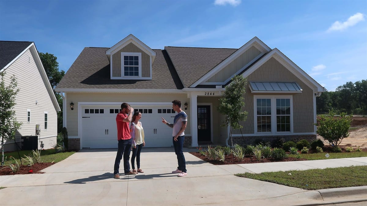 David helps a Florida couple find their perfect first house in Tallahassee.